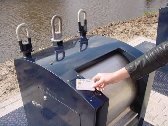Dutch Unleash Intelligent Robot Bins: No ID, No Rubbish